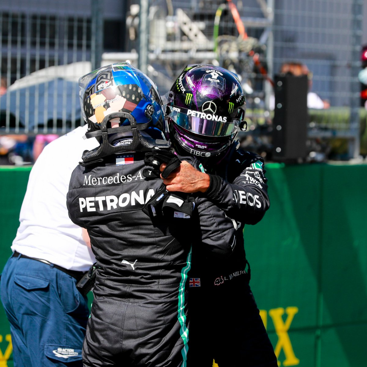 This wholesome content 🥰 #AustrianGP https://t.co/eLCtpreAkW