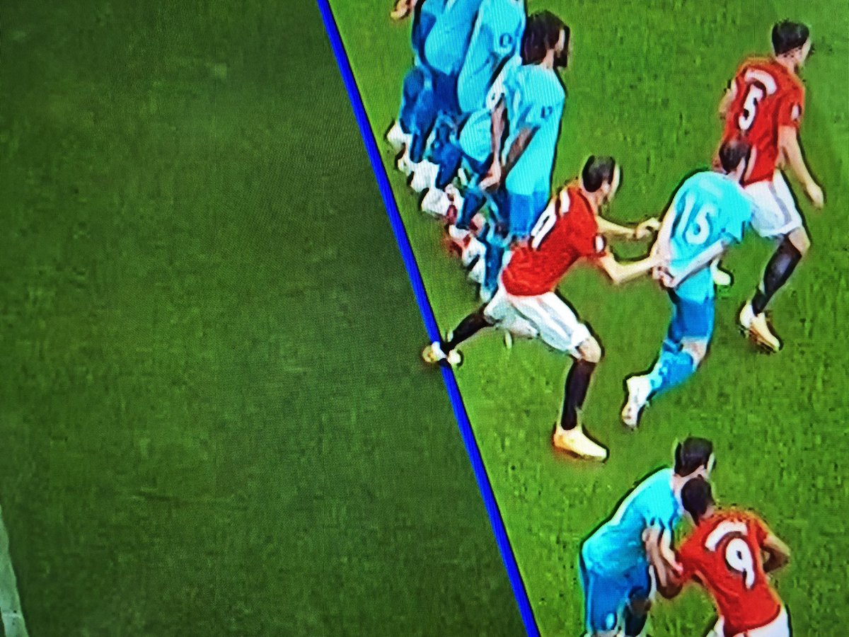 So the VAR rules are different when it's Manchester United then @FA?   @btsportfootball #MUNBOU https://t.co/mqZmlT4Kty