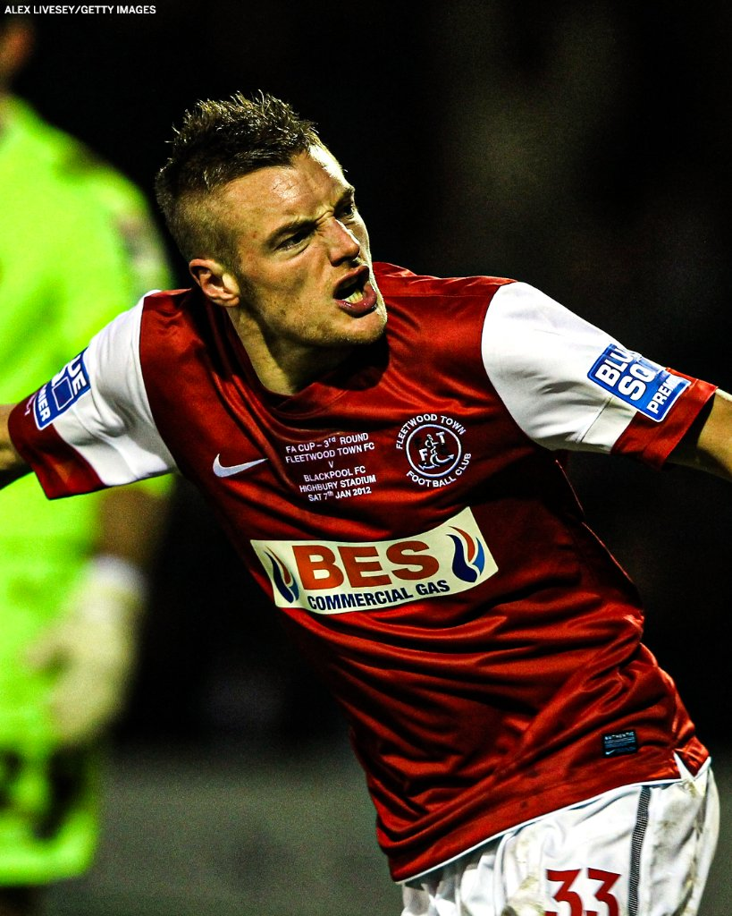 In 2012 Jamie Vardy was playing for Fleetwood Town in the Conference.   Now he's scored 100 Premier League goals and has a winners' medal. The dream 🙌 https://t.co/0fwDKXz3Md