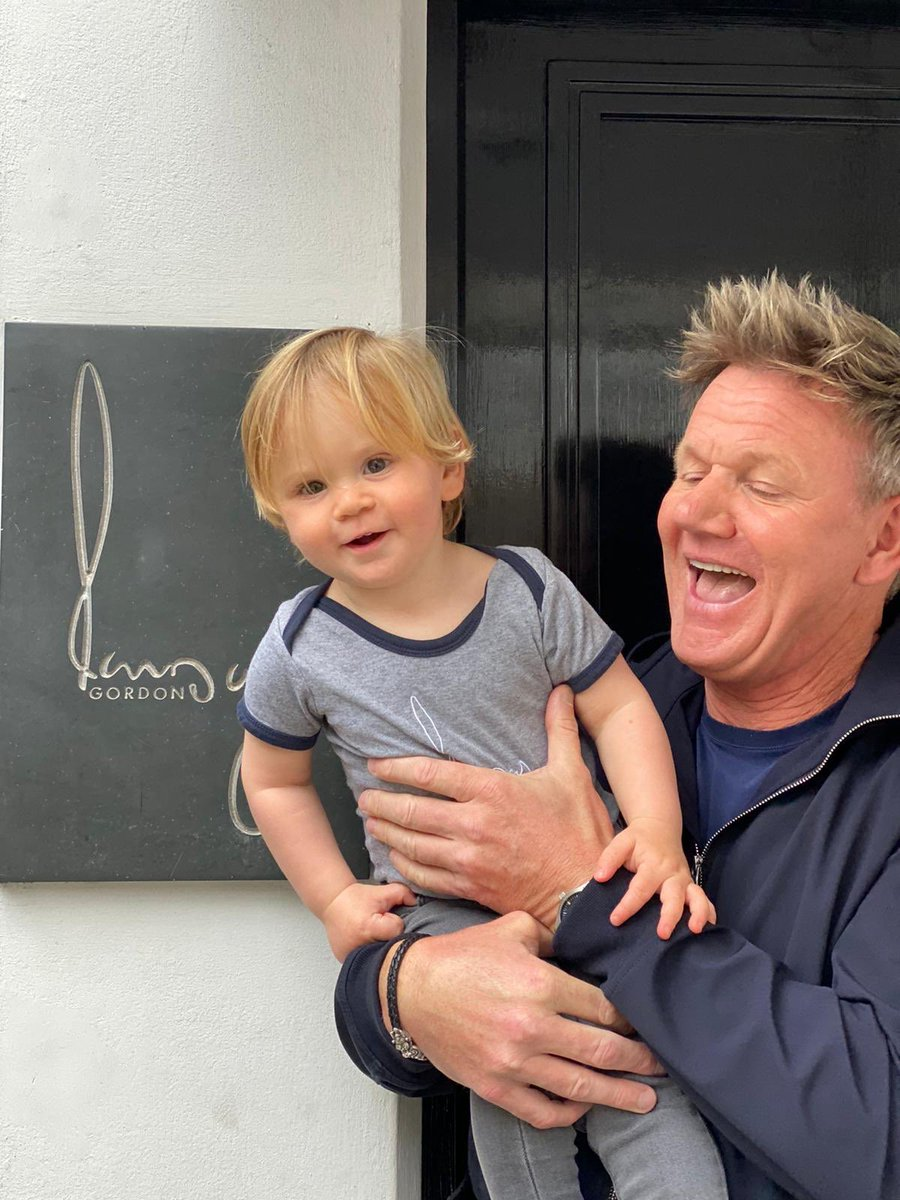 First day back at work with dad ! London can't wait to see you today Gx https://t.co/Ms8OnJy5m5