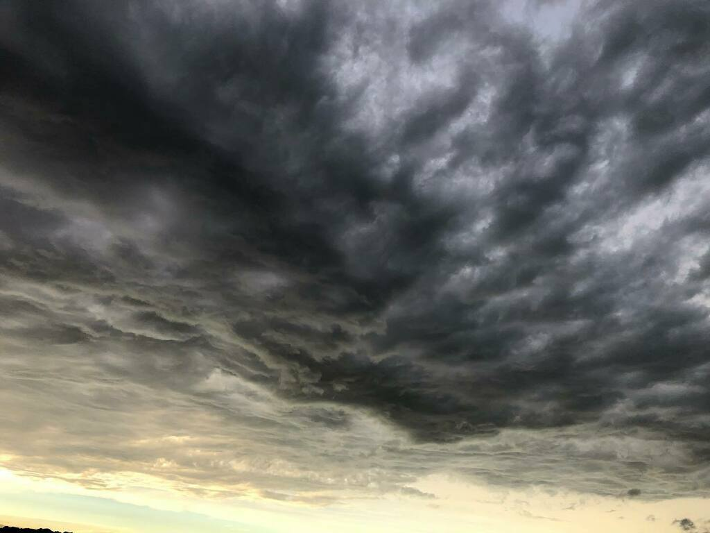 #無加工 #nofilter #takenwithiPhone #photographyiPhone #iPhone写真 #写真 #photo #空 #そら #ソラ #Sky #空が好き #空の写真を撮るのが好き #ダレソラ #dare_sora #今空 #いまそら #イマソラ #雲 #くも #cloud #夕焼け #sunset #夕方 #evening