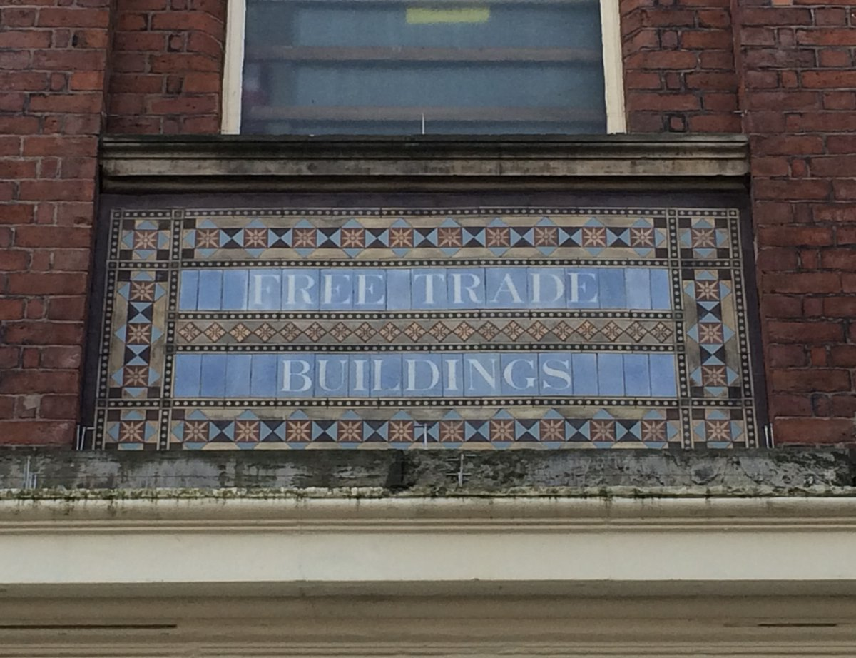 Sign of the times...  #Hanley #StokeOnTrent 6 Towns | 6 Walks #PotteriesTileTrail FREE download trail leaflets: http://bit.ly/PotteriesTileTrail_Downloads … #HiddenGems #SharedStories #ThePotteries #tiles #mosaics #architectural #ceramics #MyStokeStorypic.twitter.com/l96c9hfLmB
