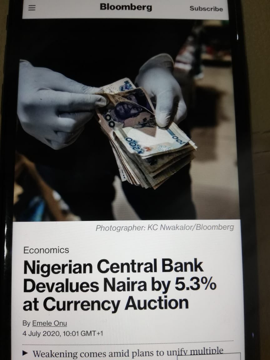 C'est fini! @mbuhari won't give up on your economy until the naira values less than the paper it is printed on. #RevolutionNow https://t.co/EtNtkU7hWn