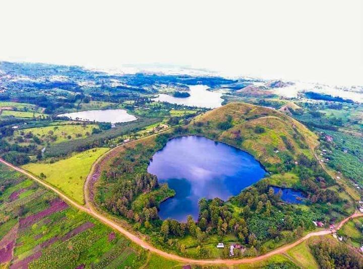 Beautiful Uganda 🇺🇬  Guess the location Of this picture?   #VisitUganda #TulambuleUganda