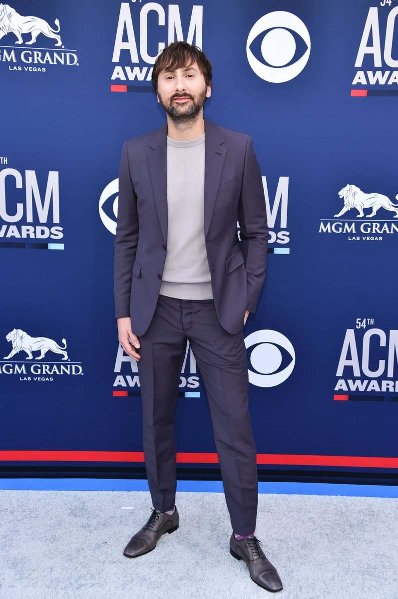 """Happy birthday to Dave Haywood, one third of 11x ACM Award Winning Group, @ladya! 🎉 Hope you're celebrating with a """"Champagne Night!""""🥂 https://t.co/QYmoLnc9IT"""