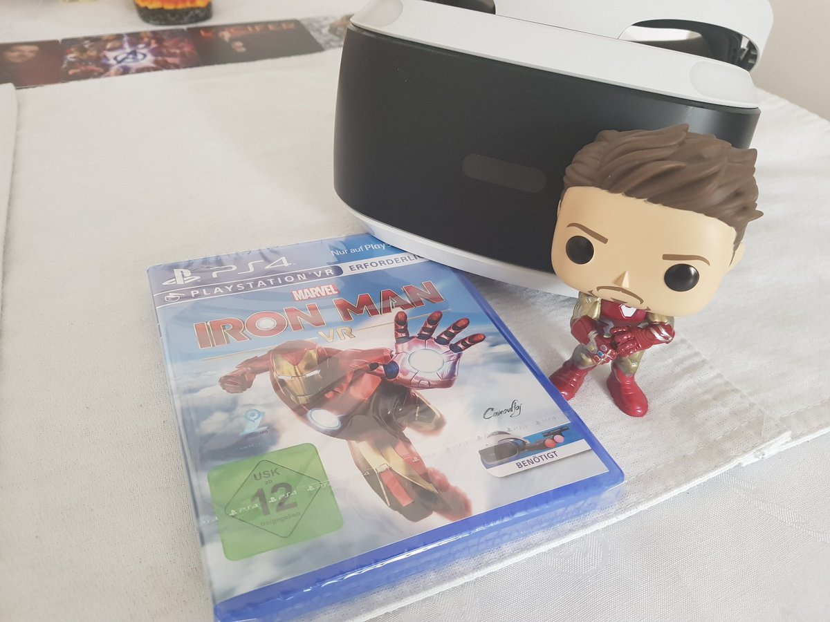i m such a nerd and even if i dont rly have time to play... discounts on games are my weakness  my poor credit card    but i now can pretend to be #IronManVR  #nerd pic.twitter.com/52MBxlIrSk  by ⎊ Sarah 😈🇩🇪 ⎊