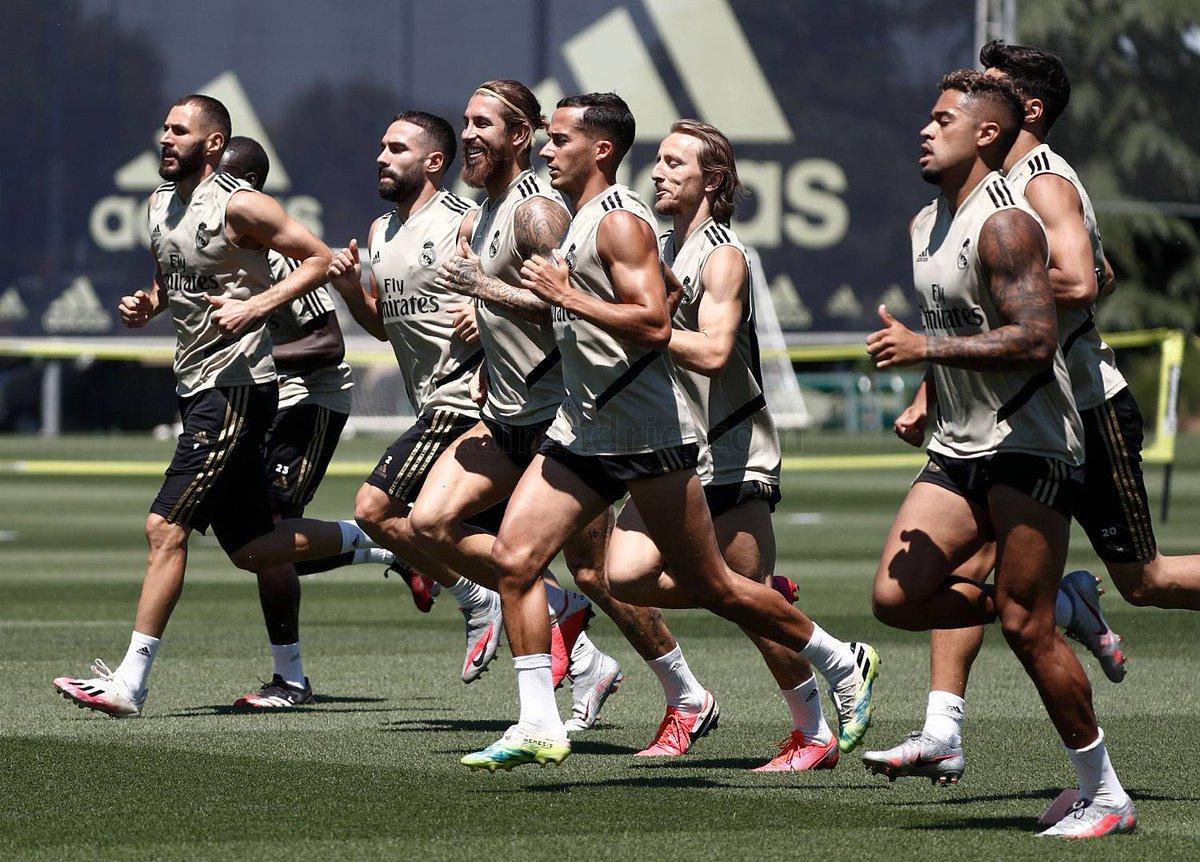 🏋️ Dernier entraînement avant d'affronter Bilbao (demain, 14h).  👥 Hazard et Varane sont restés au gymnase.  💊 Nacho poursuit sa récupération. https://t.co/aYdfq1zZXB