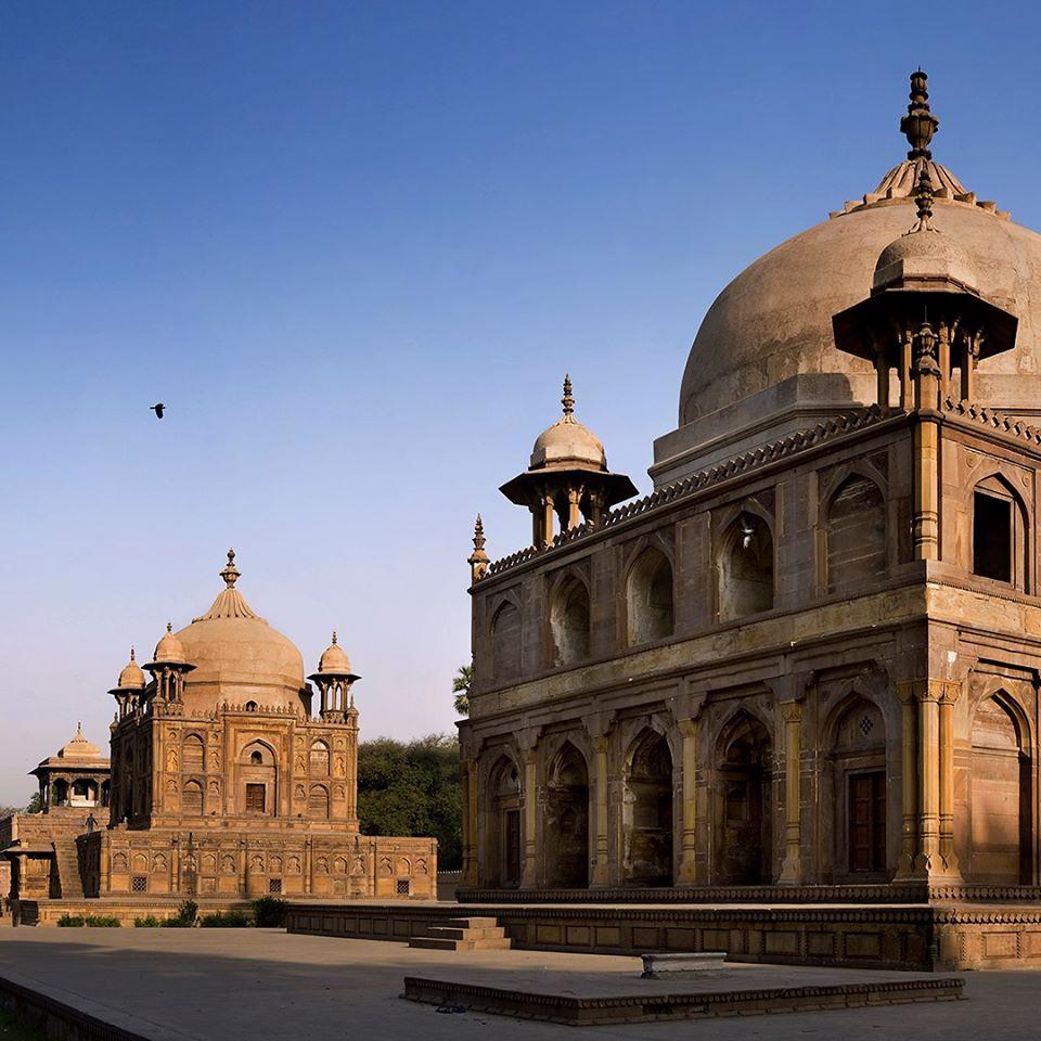 Khusrau Bagh, Prayagraj, Uttar Pradesh Read full on https://www.facebook.com/IndiaLostFound/photos/a.653506534832641/1511998998983386/?type=3&theater…  #indiafound #indialostandfound #amitpasricha #panoramist #theculturegully #culturvation #tourism #incredibleindia #travelrealindia #UPTourism #UPNahiDekhaTohIndiaNahiDekha #indiaclicks #travel #allahabadpic.twitter.com/MySfrqxX6S