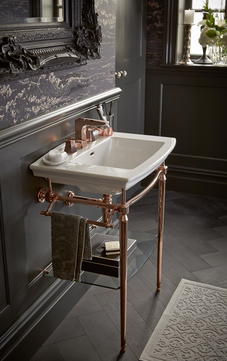 Embrace the trend for 'old meets new' by combining a vintage washstand with a more contemporary basin and taps. To explore our full range of modern and period inspired suites, download our 2020 brochure: http://ow.ly/LAR450Apza3pic.twitter.com/RzZznG0ftY