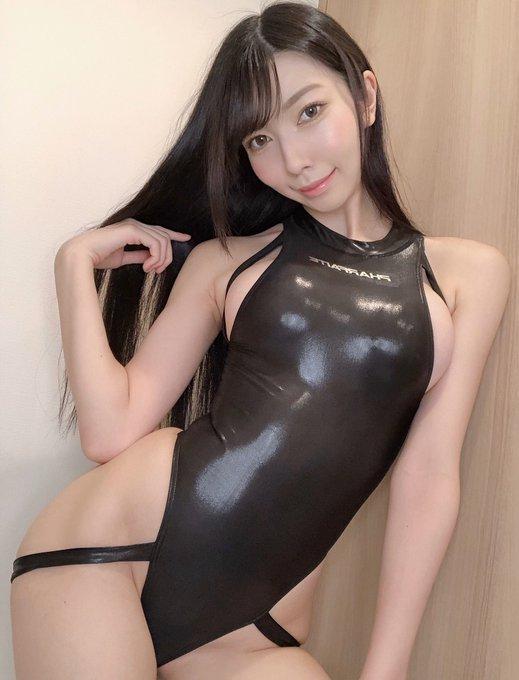 グラビアアイドル百瀬菜月のTwitter自撮りエロ画像3