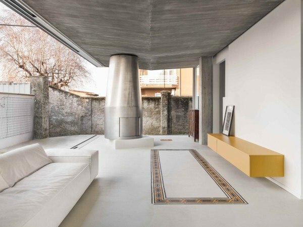 #Grillo . Vasiu https://ift.tt/2C6N7Rk | posted by afasia | daily entries on contemporary art and architecture #  Private house . Piedmont Romina Grillo . Liviu Vasiu . photos: © Delfino Sisto Legnani e Marco Cappelletti . + wbw House built in northwest Italy in 2017 – 2018. _ pic.twitter.com/3utJxD8DP7