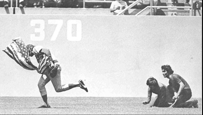 Rick Monday (1972-1976)  Annual Rick Monday Saves Old Glory appreciation post. Happy Fourth everyone! Stay safe! 🇺🇸🇺🇸🇺🇸 https://t.co/XhNsFsK2s3