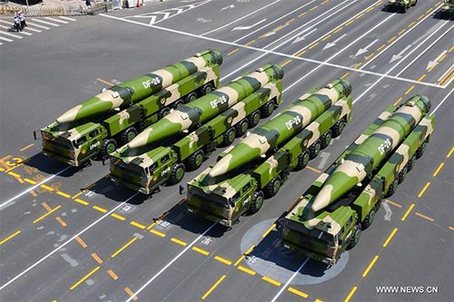 """China has a wide selection of anti-aircraft carrier weapons like DF-21D and DF-26 """"aircraft carrier killer"""" #missiles. South China Sea is fully within grasp of the #PLA; any US #aircraftcarrier movement in the region is at the pleasure of PLA: analysts. https://t.co/X5L0foka6Q https://t.co/rEPjp9gqAZ"""