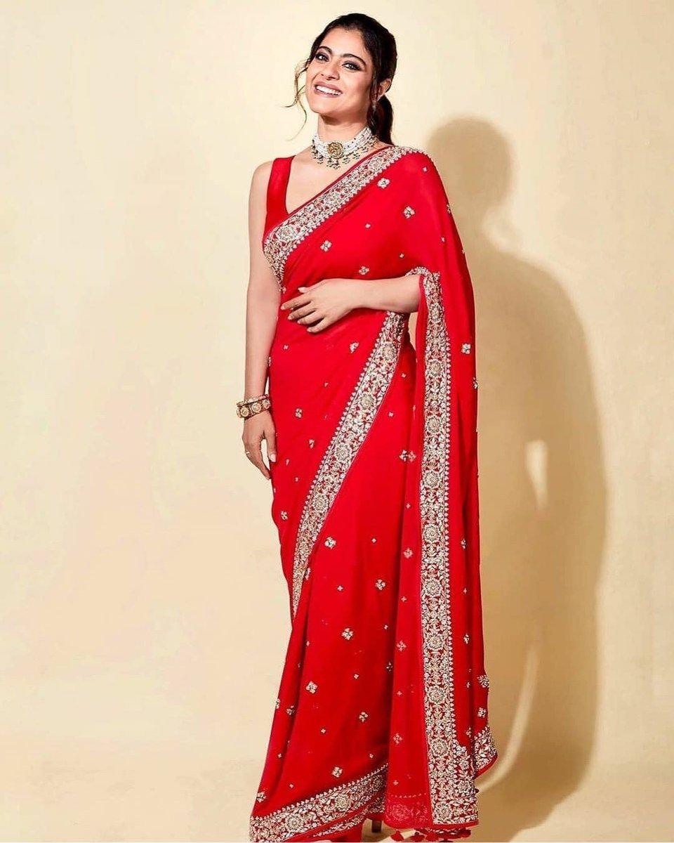 @itsKajolD in a gorgeous vibrant red-hued saree with a delicate border enhanced by an array of embroideries#Ruvvy #kajol #kajoldevgan #bollywood #bollywoodfashion #fashion #saree #anitadongre #anitadongrecouture #designerwearpic.twitter.com/IDx0lWwEA3