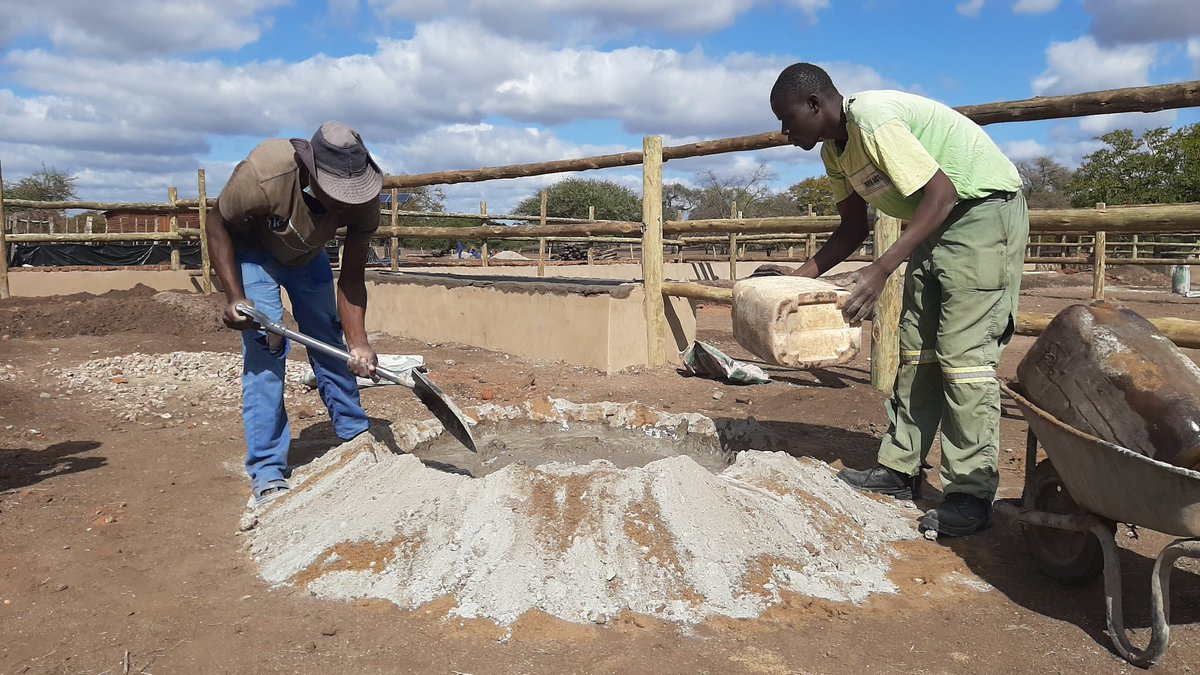 Construction of Cattle Business Centre in Chiredzi at advanced stage.Improved access to formal markets is the major deliverable of BEST project. #BetterLivesThroughLivestock https://t.co/3jsOBdaJ4U