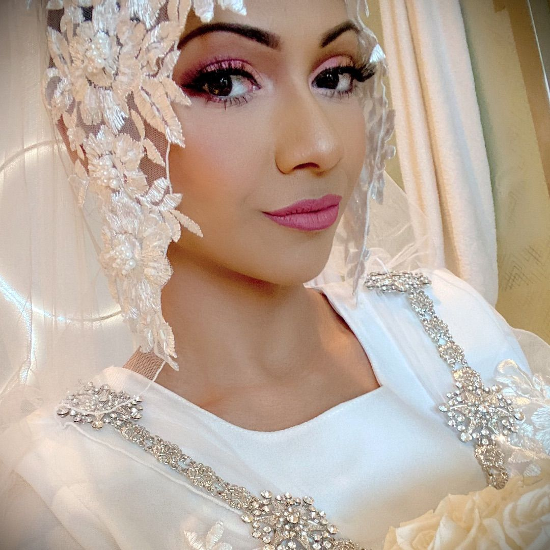 My wedding day pic  #lipstick #eyeshadowpalette #makeuplook  https://www. influenster.com/deeplink/photo s/67412223  … <br>http://pic.twitter.com/uK6t2FAmB4