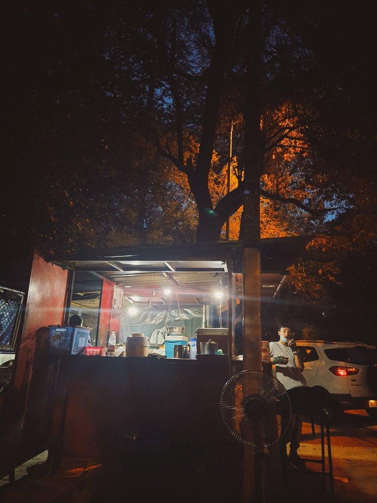 Shaam...#delhi #SaturdayThoughts #weekend #vibes #delhidiaries pic.twitter.com/2YuN3GJBfV – at IIFT