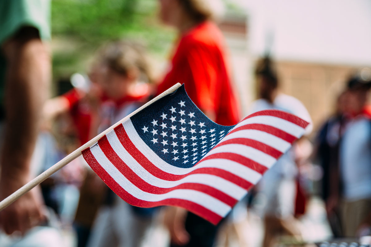 Happy Fourth of July! Today we celebrate and honor America's freedom. What are you doing to enjoy the day?<br>http://pic.twitter.com/LgnE9yuZZT