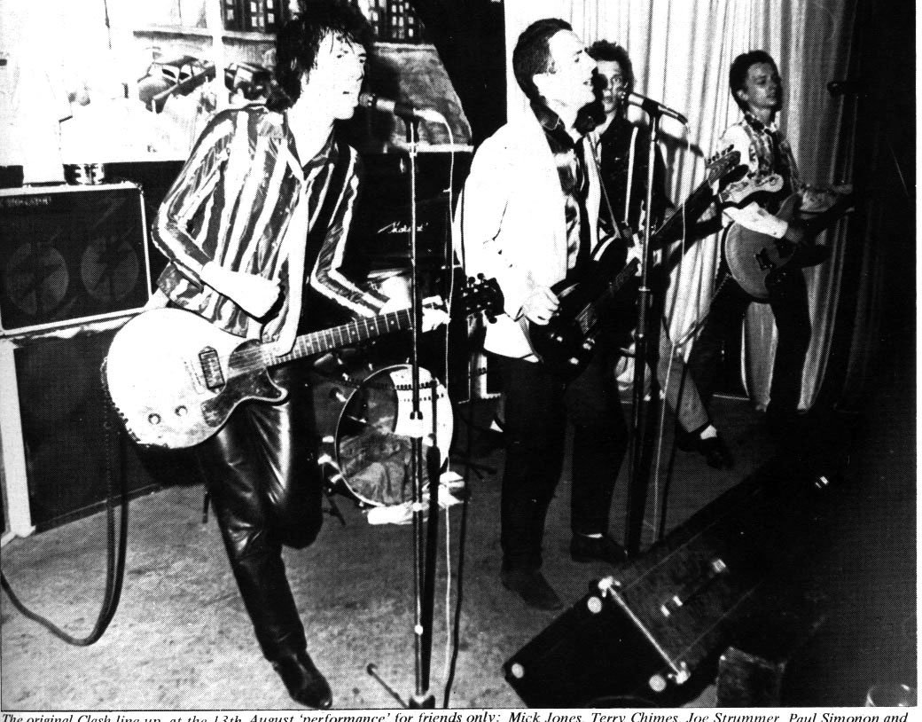 44 years ago today #TheClash made their live debut supporting #SexPistols at the Black Swan in Sheffield. The Clash's lineup that night was Joe Strummer, Paul Simonon, Mick Jones, Terry Chimes and Keith Levene. https://t.co/d3UW0M4zkz