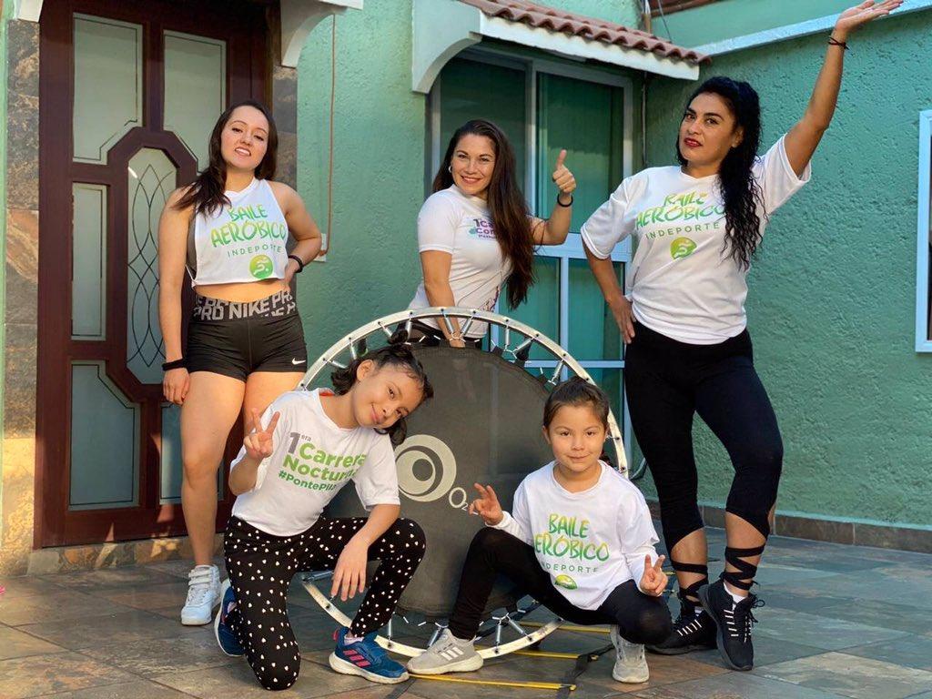 🟢 #PontePilaEnCasa  Continuamos con la transmisión #EnVivo con la rutina de trampolín para niños, nuestras promotoras Reyna Valdez Torres, Mirella Fernández y sus alumnas Ana Ivett Gracia, Romina Hernández y Cynthia Hernández   https://t.co/qJZU0i1G3P https://t.co/kOz2jqHsOB