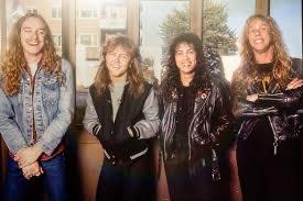 Metallica OR Black Sabbath? #Metallica #BlackSabbath  https:// returnofrock.com/black-sabbath- albums-ranked/  … <br>http://pic.twitter.com/y4vWGQPAgR
