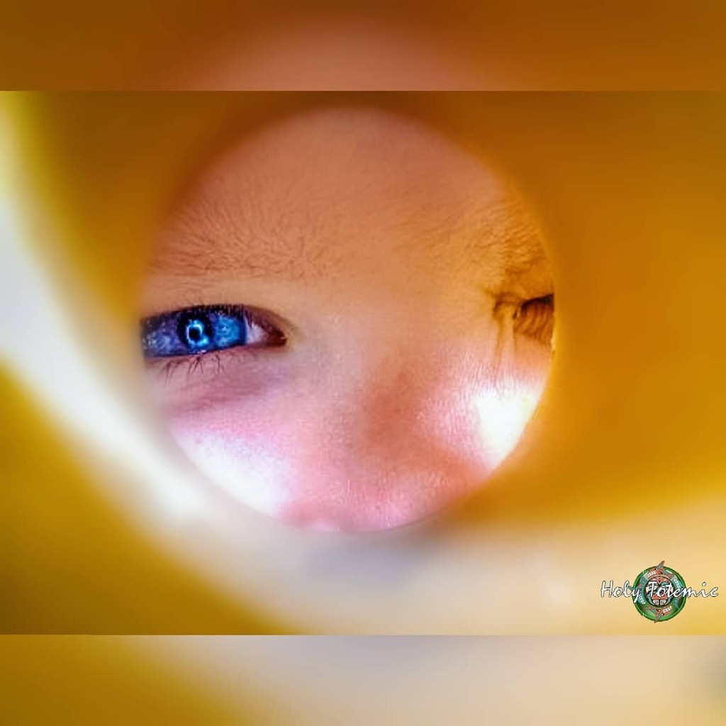 Throwback from 2009. Updated with new photo editing skills. #portrait #portraitphotography #portraitphotographer #different #style #eye via Facebook https://ift.tt/31IJxHVpic.twitter.com/reMXiC0YE3