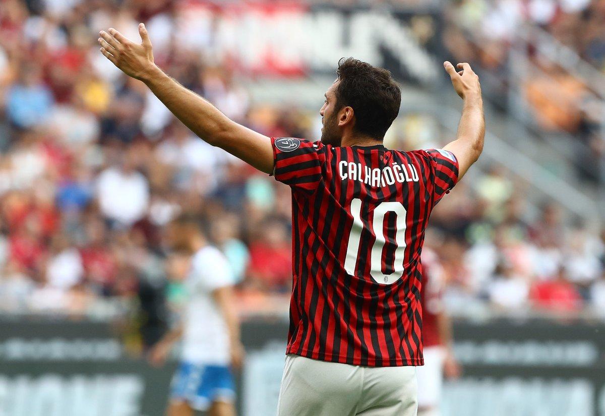What a goal by Calhanoglu  #ACMilan #Milan #Rossonero #Rossoneri #Calcio #serieA #Italy #soccer #football #milannews #Transfers #LazioMilanpic.twitter.com/GvsbL1AdJB