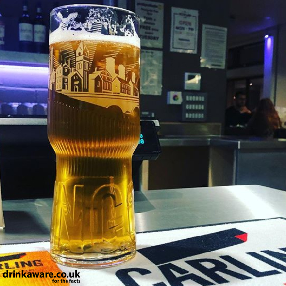 A pint of Carling please oh how weve missed hearing that! @evelinfornari (IG) 📸 #Carling #MadeLocal