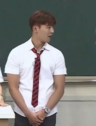 how come he's getting younger?   shownu in 2018                 shownu in 2020 <br>http://pic.twitter.com/62iznrneFX