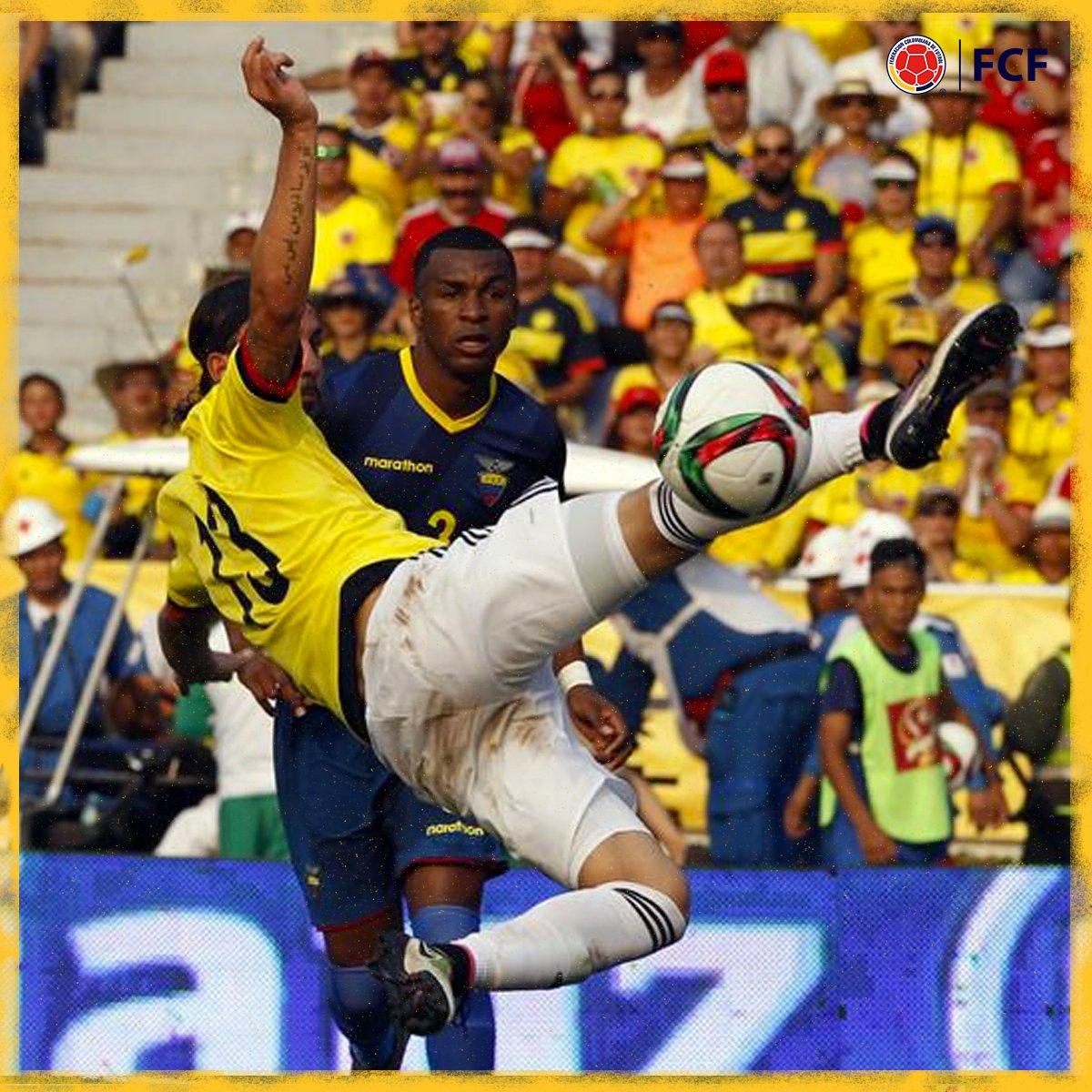 ¡Goooolazo de Colombia!  Sebastián Pérez estiró sus piernas y contactó el balón en el aire para marcar el segundo de nuestra Selección  ¡Golazo! 🤩   🇨🇴2⃣-0⃣🇪🇨  #EnModoEliminatorias #ViveElGolCaracol https://t.co/8AVGTZC0MG