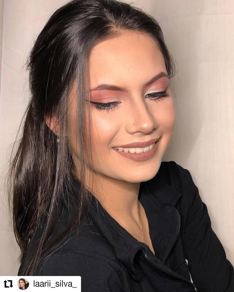 #Repost @laarii_silva_ • • • • • • Pra completar a fileirinha dessa make! @sarahkraussmakeup . . . . . #makeup#make#makeupartist#makeuplover#makeuplook#makeupideas#makeuplooks#makes#maker#makers#makemoments#maquiagem#maquiagembrasil#maquiagemx#m… https://instagr.am/p/CCOcMUwMAQ-/pic.twitter.com/CBimobLjBi