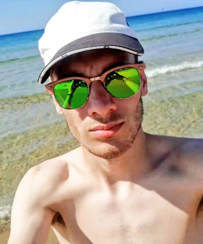 Lascia che l'estate ti renda libero!😏 🕶️🌞 #primogiornodimare #mare #beach #sicilia #sicily #sicilianboy #sicilianmen #ragazzo #newpost #fashionblogger #jcb #l4l #t4t #twigconceptmilano #sole #spiaggia #menfi #portopalo #acquamarina #summer #summer2020 #coronavirus #free