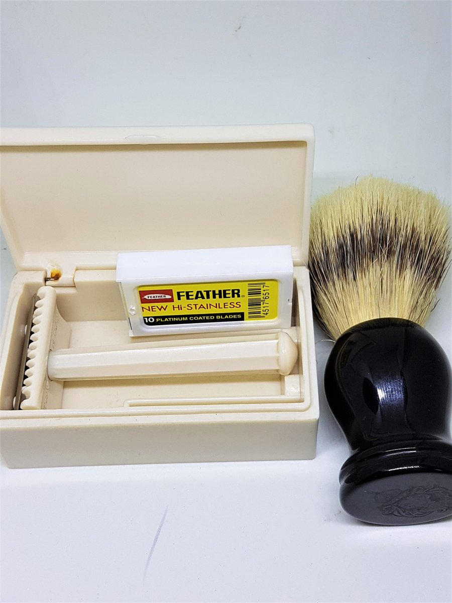 Excited to share the latest addition to my #etsy shop: Wardonia vintage shave set, razor, brush and blades, vintage 1930s https://etsy.me/3gmdzoU #white #silver #vntageshaving #vintagerazors #mensgrooming #wetshaving #mensshavinggift #fathersdaygift #shavingequipmentpic.twitter.com/LMqqZHkQM5