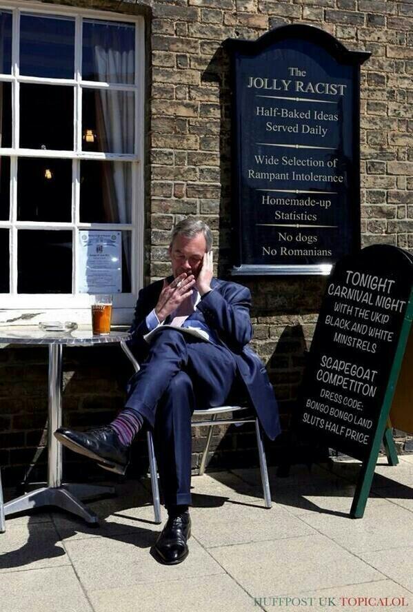 Racist Nigel Farage down the pub having a pint. @Nigel_Farage #bbcnews #skynews #c4news #LBC #Brexit #ridge #marr #skypapers #BrexitReality https://t.co/0XcPfP89wj