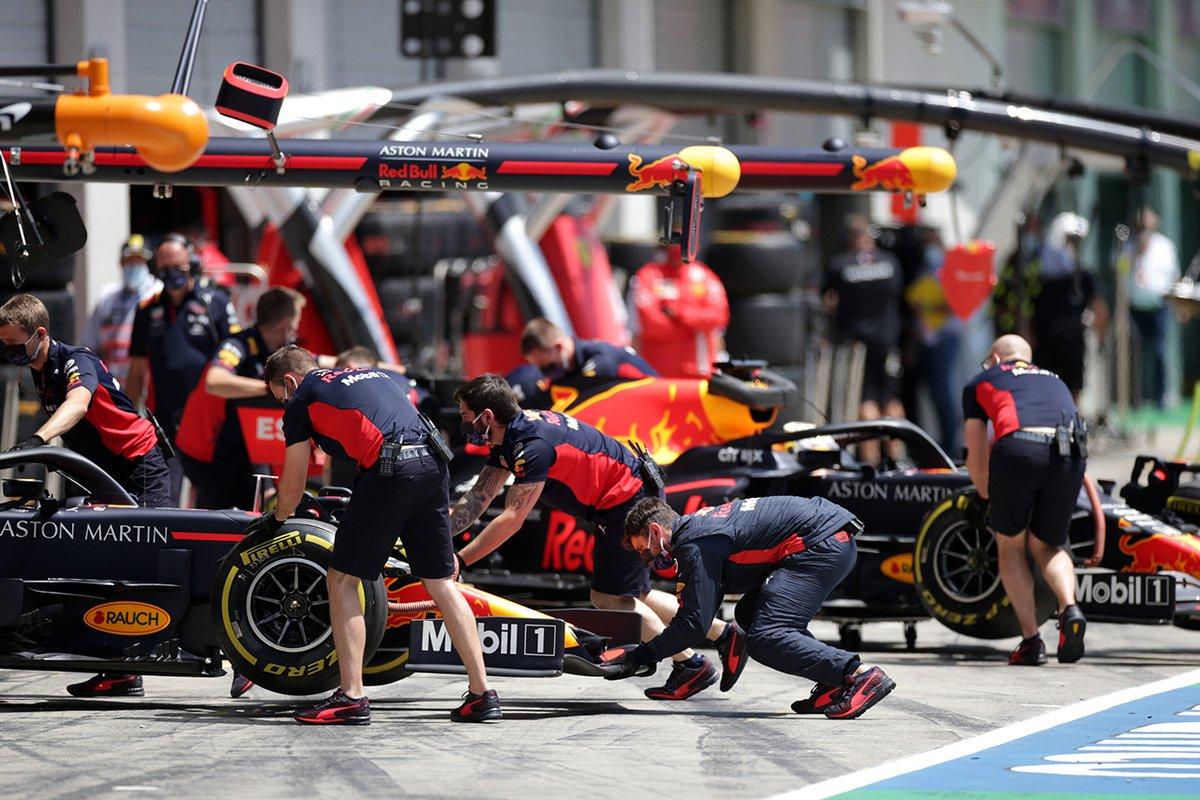 【F1-Gate】 ホンダF1 「予選トップとのタイム差は小さくないがロングランは悪くない」: ホンダF1のテクニカルディレクターを務める田辺豊治が、F1オーストリアGPの予選を振り返った。… http://dlvr.it/RZy0YQ #F1JPpic.twitter.com/TX6WrnS7tu