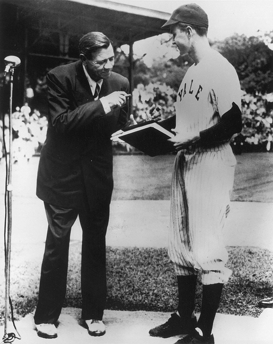 George H.W. Bush and Babe Ruth at Yale in June, 1948. Babe would die of cancer two months later, which is why he's so gaunt. Bush would move to Midland and launch a political career that ended in the Presidency.  4 years earlier, Bush had been shot down while on a bombing run. <br>http://pic.twitter.com/HpxdclZDcZ