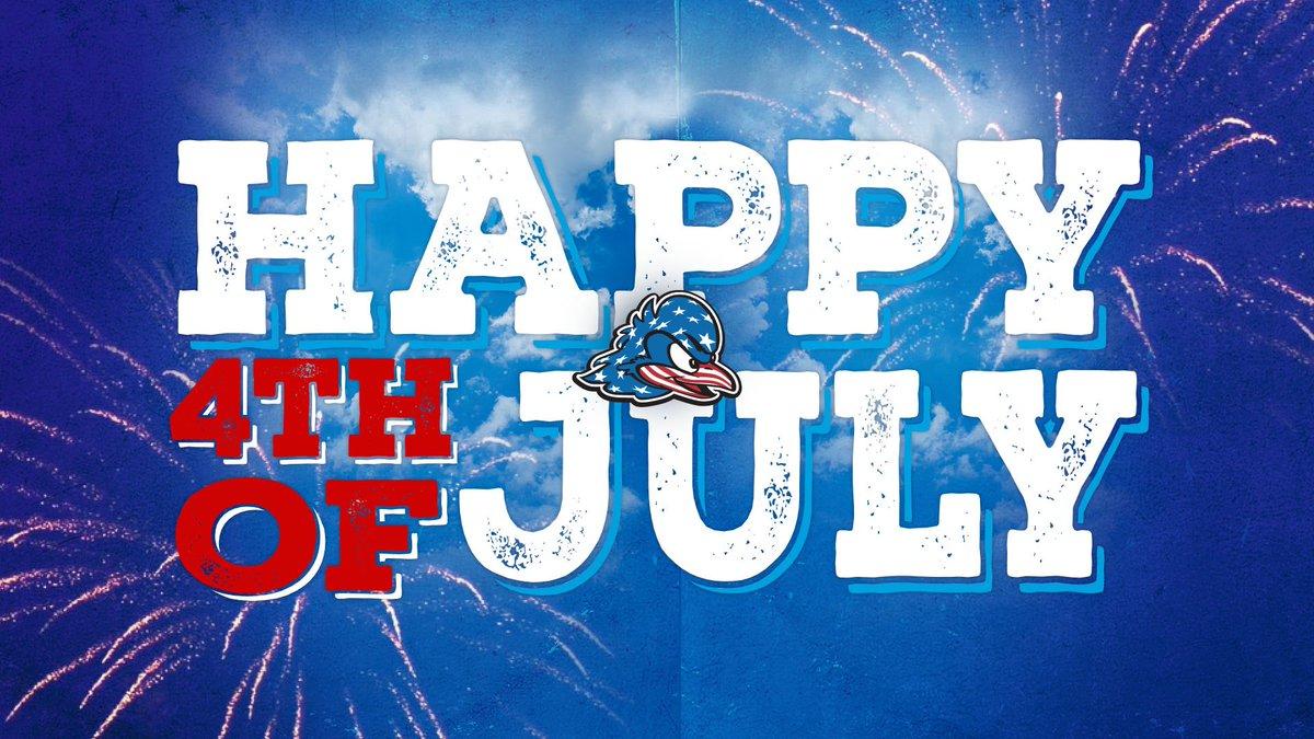 🇺🇸 Happy #FourthofJuly #BlueHens!  Stay safe! https://t.co/hnpxtXEvAU