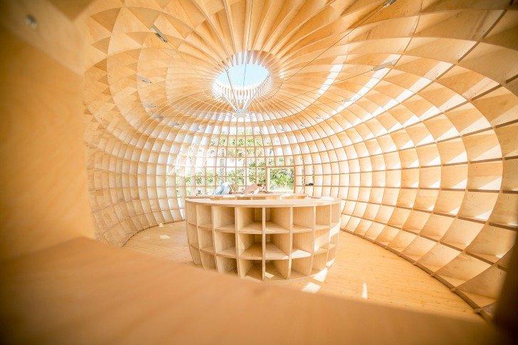 Installation of Guiro, an art bar installation by Los Carpinteros in colaboration with Absolut Art Bureau #wooden #installation #loscarpinteros #Entertainment #tropicalfruit #inspired #shell #guiroartbar #wood #shape #bar #fruitshape #designinspiration https://inhabitat.com/illuminated-wooden-guiro-installation-inspired-by-tropical-fruit-shell/guiro-art-bar-installation-by-los-carpinteros-in-collaboration-with-absolut-art-bureau-2012-2/…pic.twitter.com/7cNvakkrHU