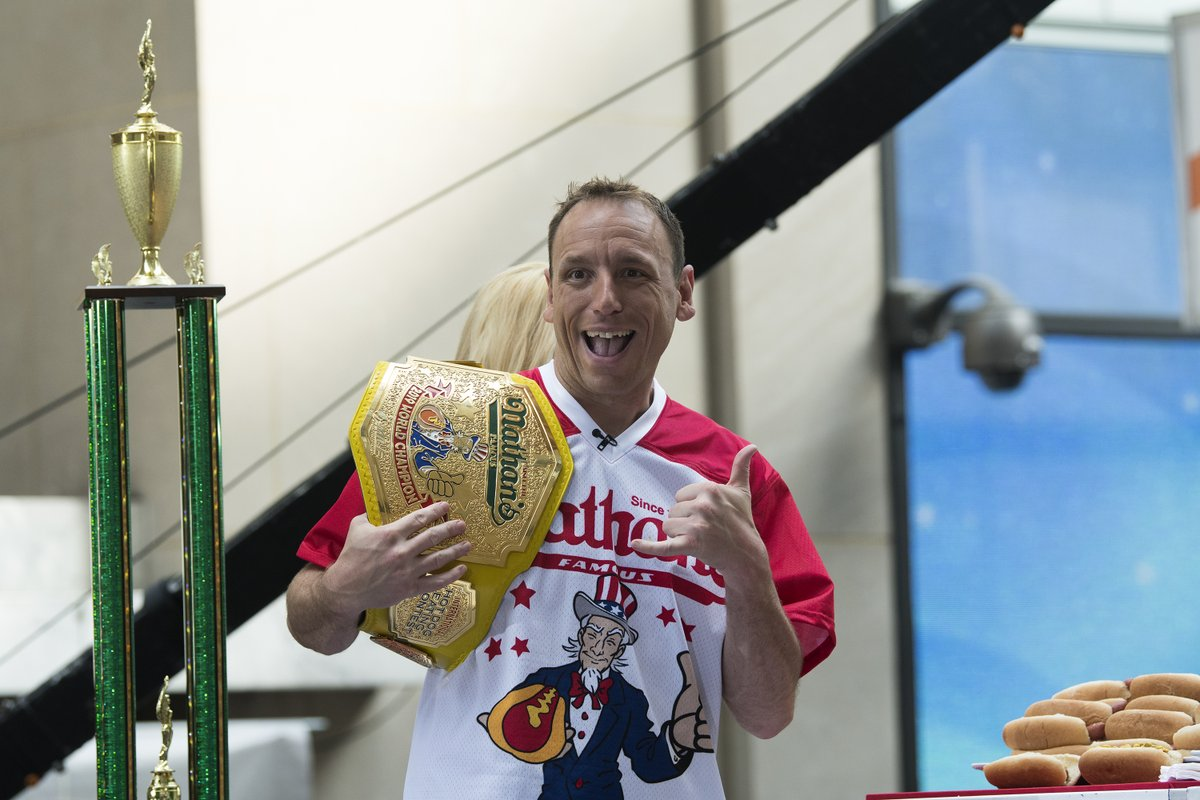 Joey Chestnut breaks his own world record with 75 hot dogs and buns 🌭  He's now a 13-time Nathan's Hot Dog Eating Contest champion, the most of all time. https://t.co/Y142Id81wH