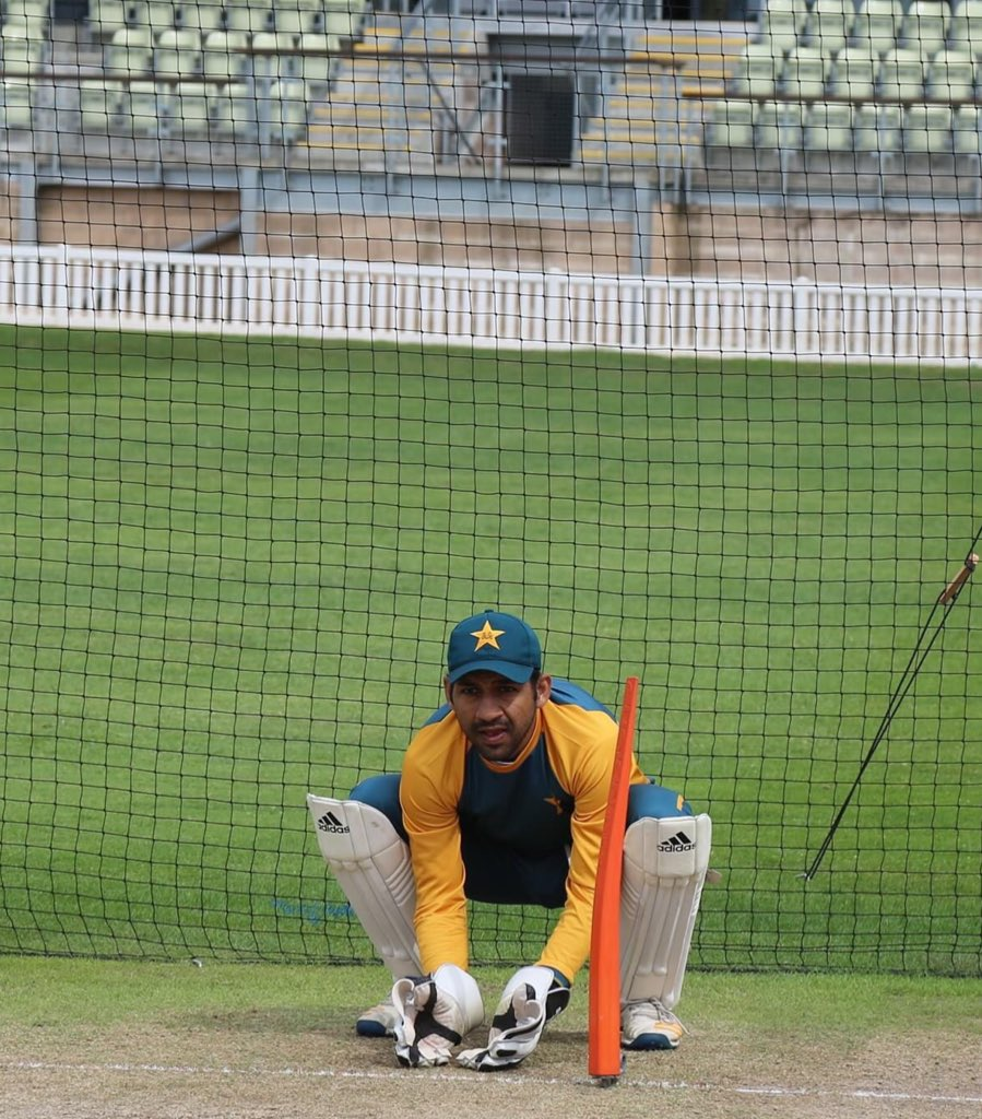 🤩 Captain Gladiators @SarfarazA_54 during training session 🧤  🇵🇰🆚🏴󠁧󠁢󠁥󠁮󠁧󠁿 | #PurpleForce https://t.co/Al6oOuERvm