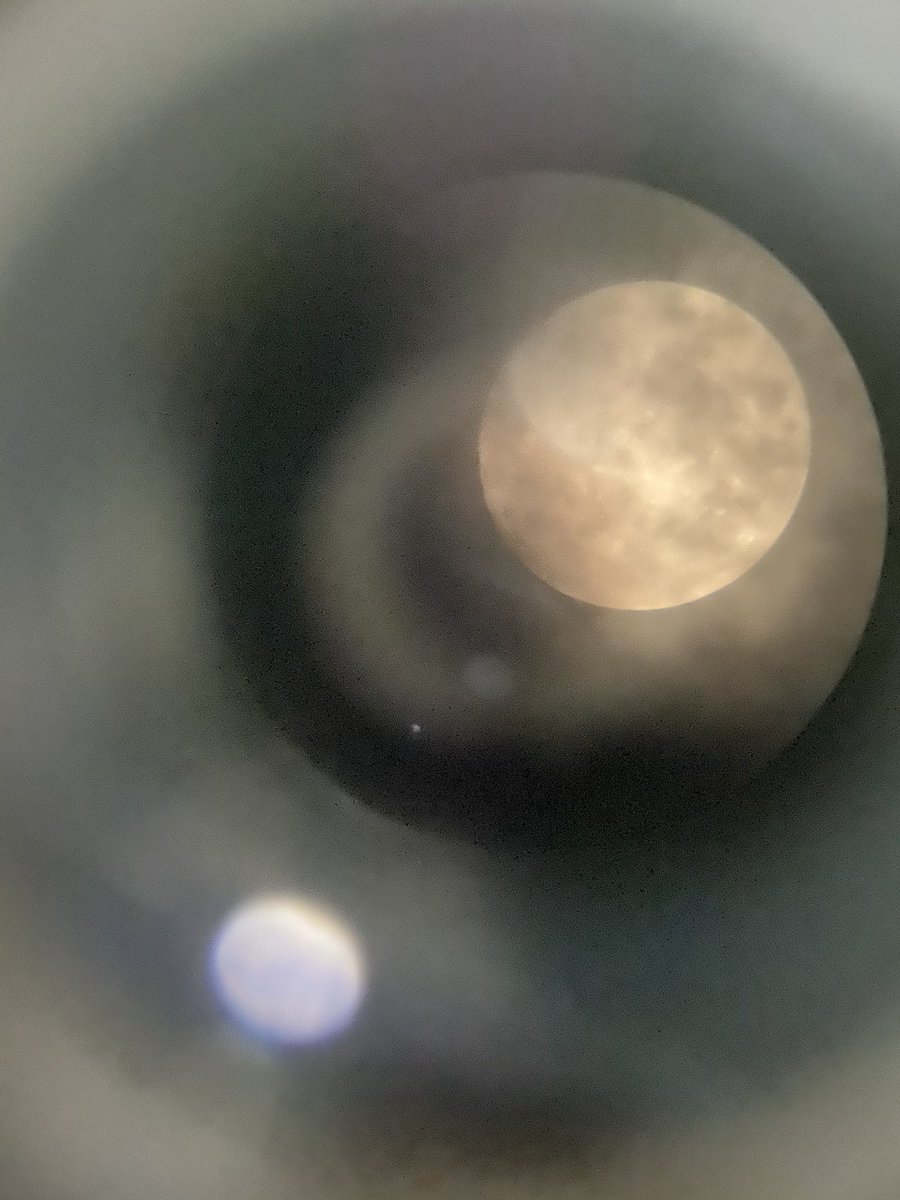 Some intense clicking of Full Moon. The most difficult part was holding camera lens on Telescope lense without any movement. And it's cloudy too 😂 https://t.co/PLaBoraJyp