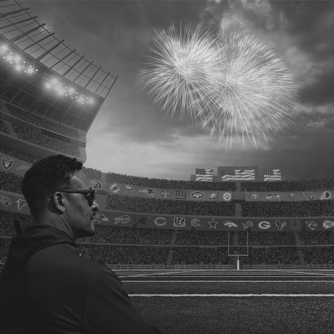 Wishing everyone a safe and happy 4th of July. Feels different this year but we have to remember that we are stronger together. One country, one Love 🇺🇸 ✊🏿✊🏾✊🏽✊🏼✊🏻✊ @NFL @nflnetwork @NFLLegends @usnikefootball https://t.co/90RVRrxZez