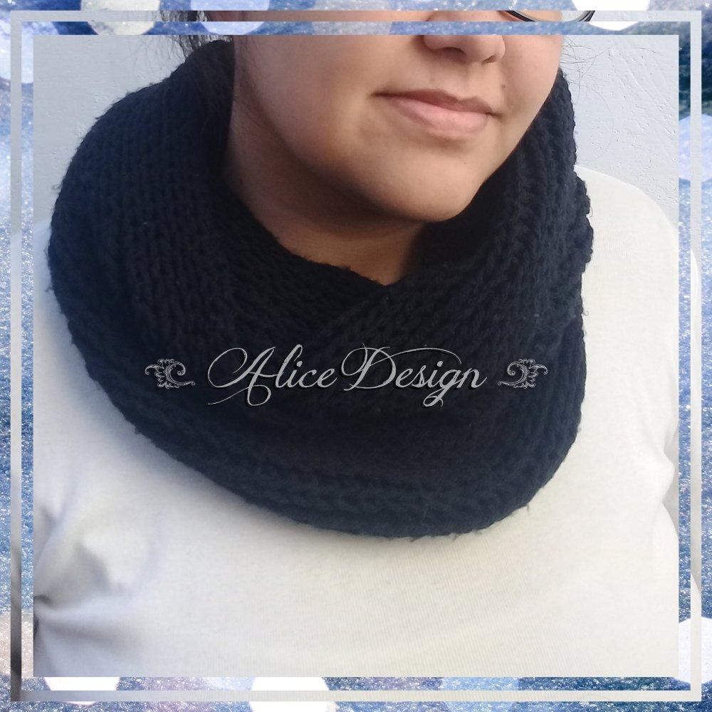 ❄ Bufanda infinita by #AliceDesignStore❄ Nuestras clásicas bufandas infinitas doble vuelta están nuevamente disponibles!  #handmade #emprendedores #scarf #scarves #infinityscarf #bufandas #bufandainfinita #bufanda #invierno #winter2020 #tejido #tejer #knitting #knit #l4l #f4f