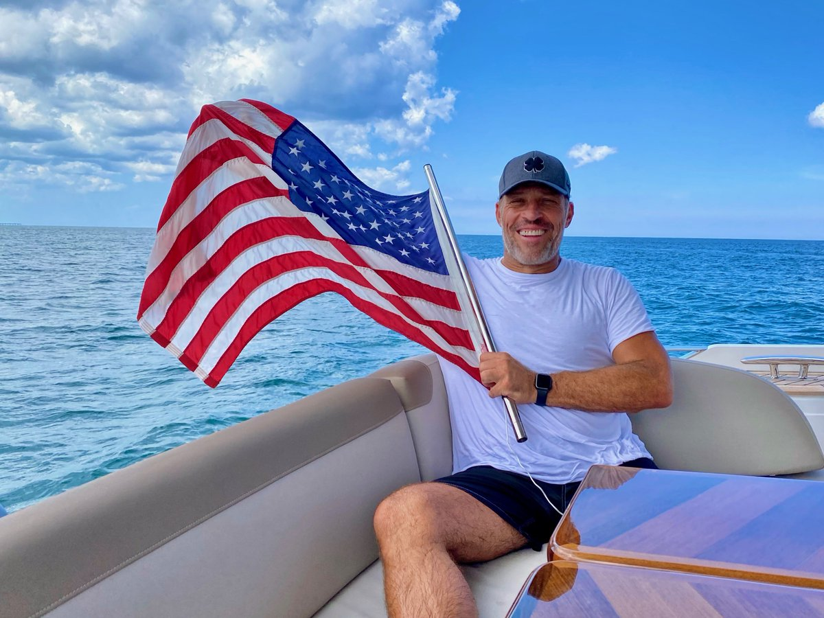 GodblessAmerica! Happy 4th of July!🇺🇸  The spirit of grit, moxie, UNITY, opportunity, & the ongoing fight for FREEDOM FOR ALL is what we celebrate today.I am grateful for and humbled by our nation's past. May we commit to constant and NEVER-ENDING PROGRESS...  #FourthofJuly https://t.co/XYEHTrJo4F
