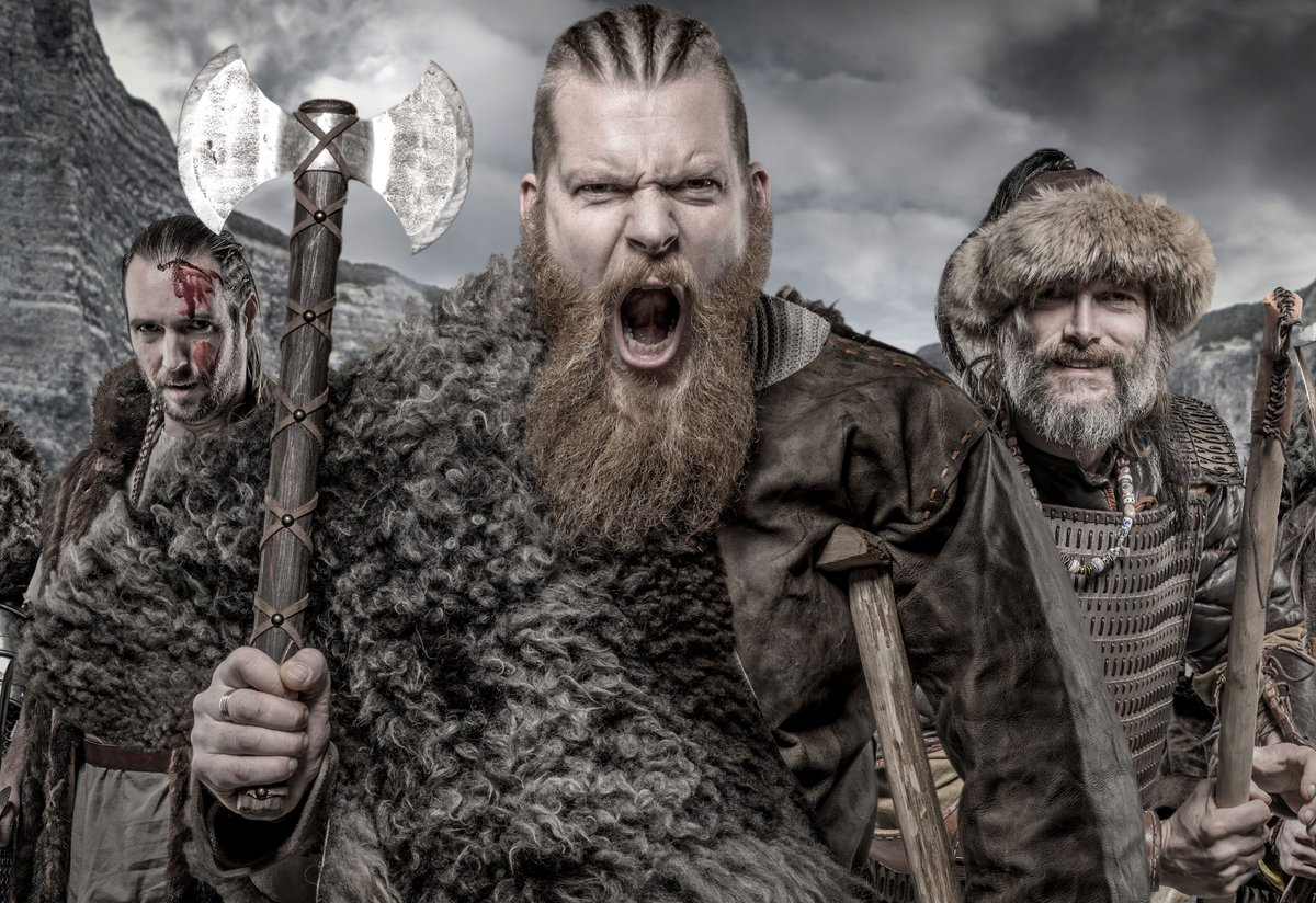 So few complete Viking helmets have ever been found, leading some to believe they never wore helmets during battles. Perhaps they wore leather headwear, which is much less likely to survive for so long. #vikings #viking #history #ready  #battle #york #yorkvikings https://t.co/8F3rP9JAyB