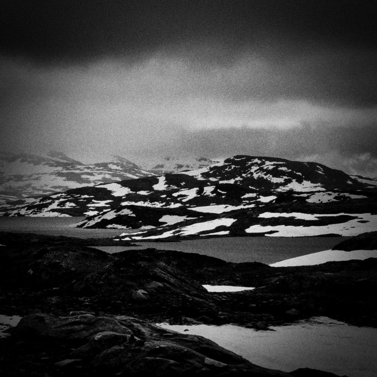 Jotunheimen • • • • #trollbreeder #grim #norse #mythology #blackmetal #deathmetal #progressivemetal #progmetal #metal #darkness #mountains #norway #vikingmetal #folkmetal #svartmetal #melodicmetal #atmosphericmetal #guitarist #troll #norge #instrumentalmetal #atmosphericpic.twitter.com/qm1pIUkc1A