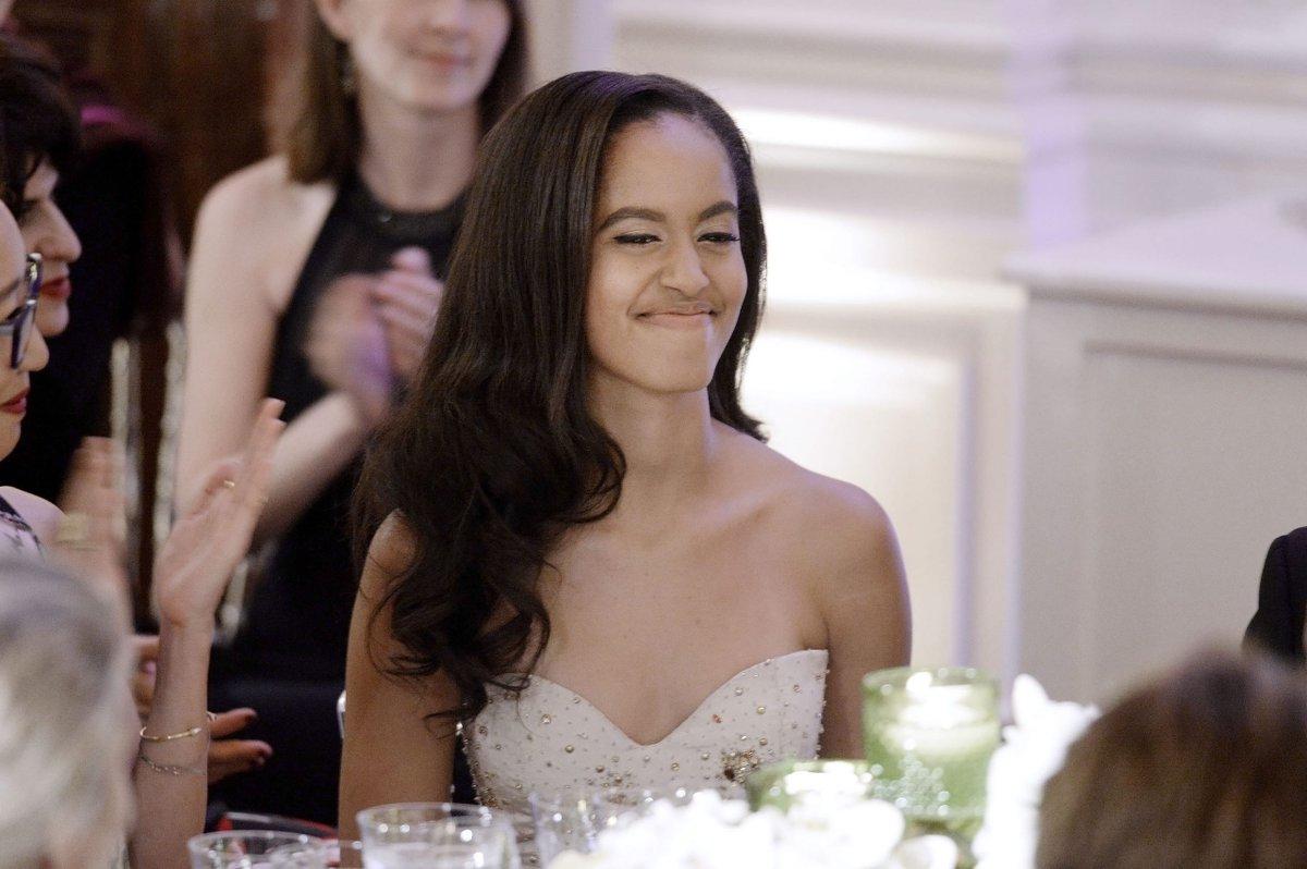 HAPPY MALIA OBAMA DAY#Happy birthday Malia Obama! pic.twitter.com/wuADZrAOzH