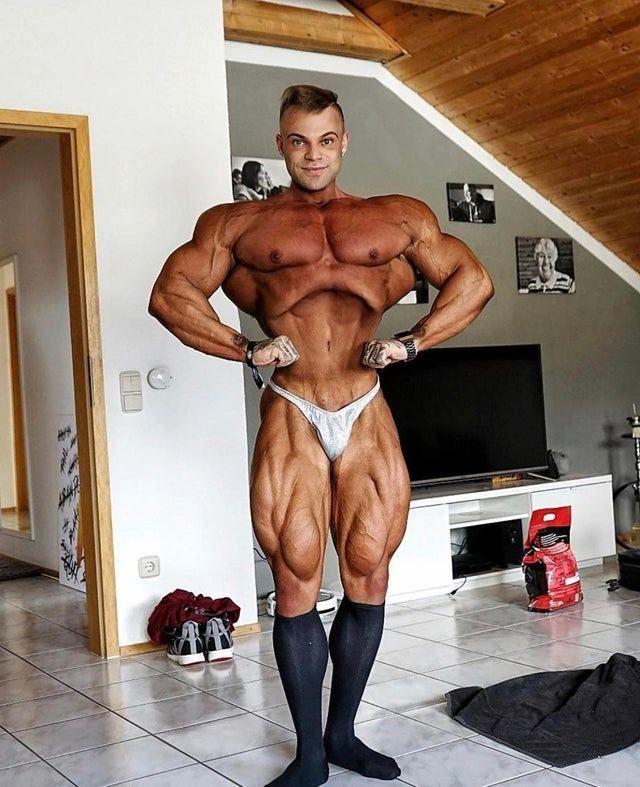 #bodybuilding #fitness #gym #bodybuildingmotivation pic.twitter.com/EgB3sGLj3U