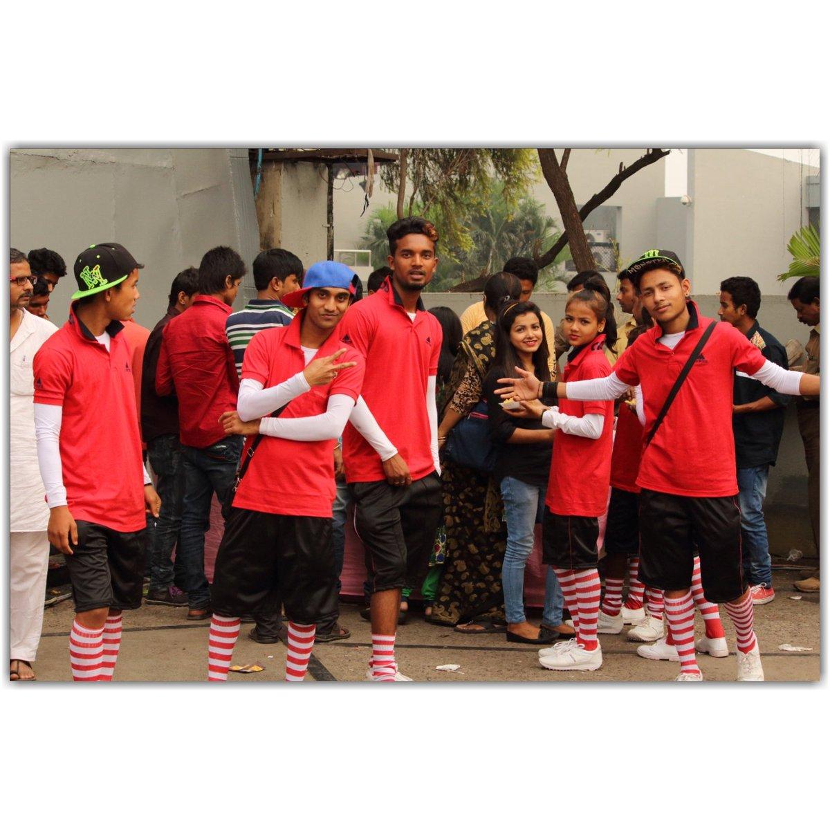 2016 #indiasgottalent #ColorsTV #rajdeep_bardhan #dancegroup #Rock_On https://t.co/LeprlnXUEy