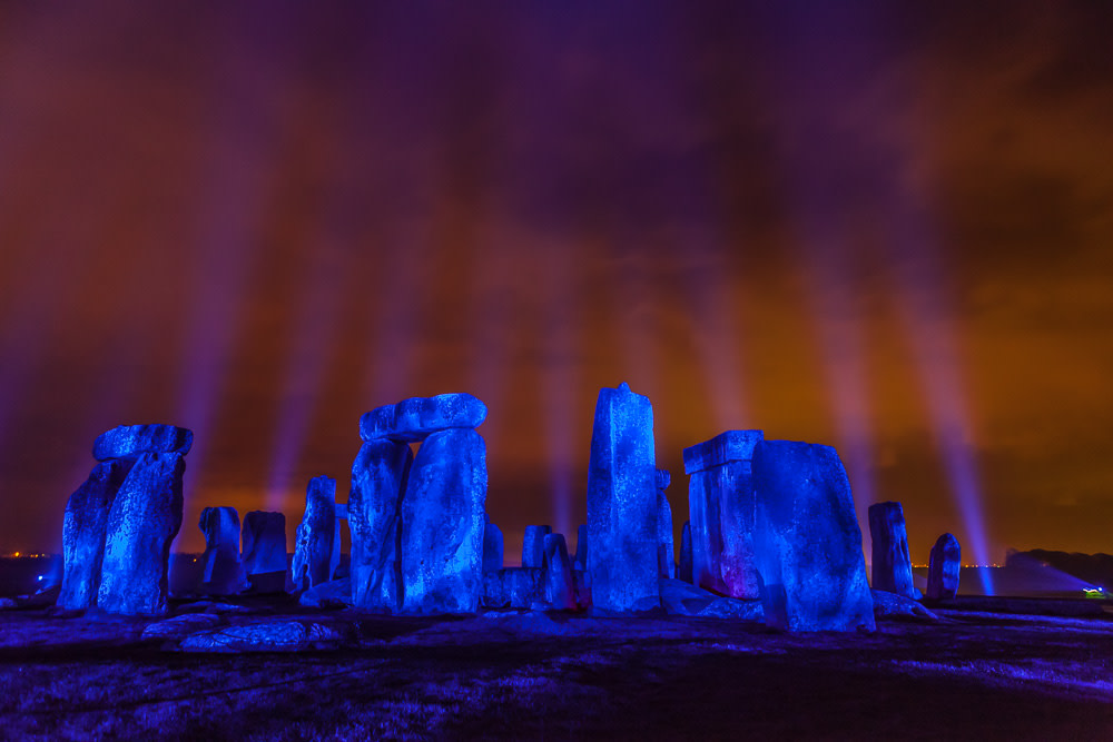 Tonight, we remember those we have lost during the pandemic and pay tribute to NHS staff, key workers and everyone who has played their part. #lightitblue #thankyoutogether @NHS @togethercoalit  : 2017, Kari Kola's Impact with Light installation at Stonehenge. <br>http://pic.twitter.com/Dh7fBIEEzl